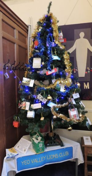 YVLC Christmas Tree at Cleeve Church 1